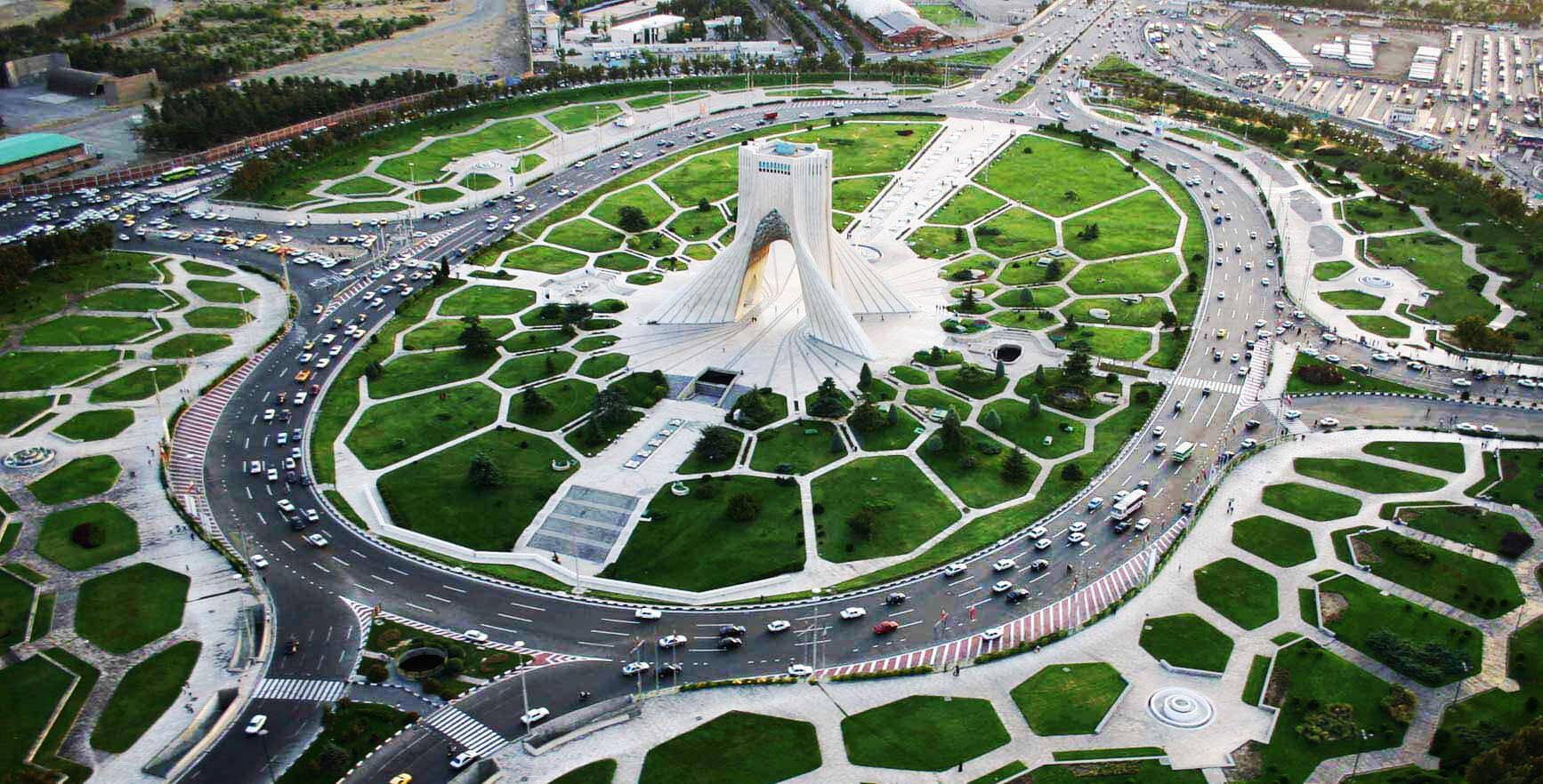 نمایی از میدان آزادی تهران